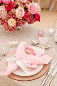 beautiful-valentines-day-wedding-tablescapes-21